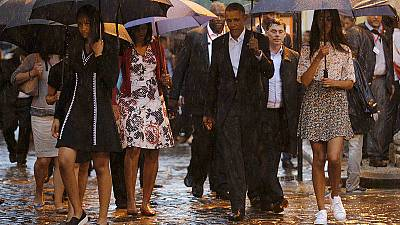 Obama visits Old Havana at the start of a historic tour to Cuba