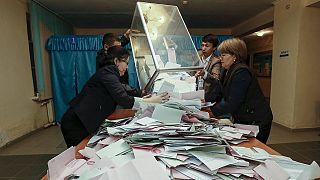 Kazakistan'da genel seçimi Nazarbayev'in partisi kazandı