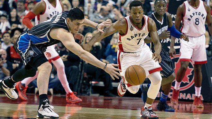 NBA: Toronto batte Orlando, Cleveland trema