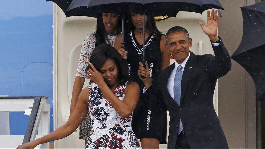 Ο πρόεδρος Μπαράκ Ομπάμα και η οικογένειά του επισκέπτονται την Κούβα