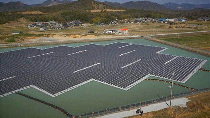 Japón se apunta a los paneles solares flotantes