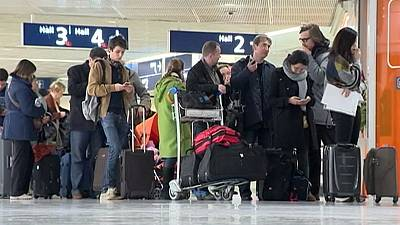'Selfish' air traffic controllers disrupt travel plans for thousands