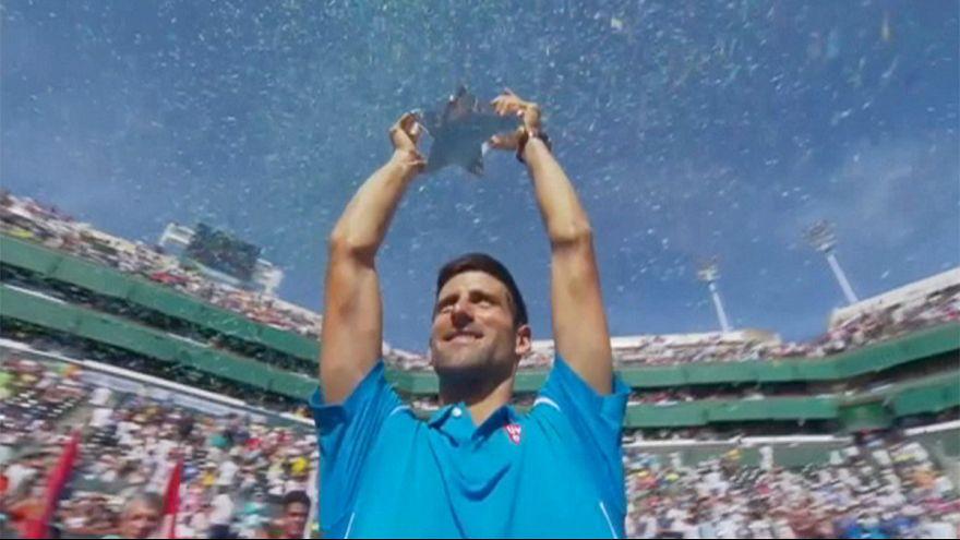 Novak Djokovic cree que las tenistas tendrían que ganar menos que los hombres