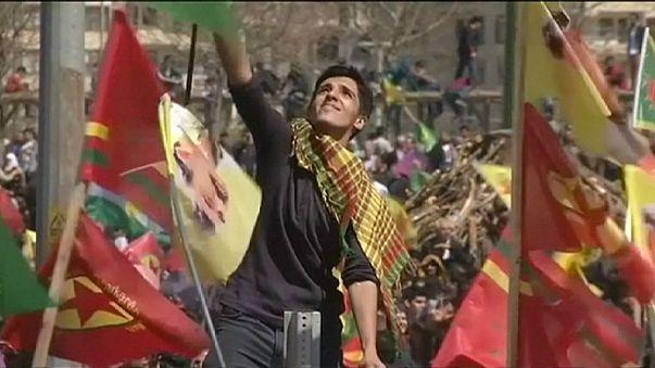 Los kurdos turcos celebran su Año Nuevo Newroz con una llamada a la paz