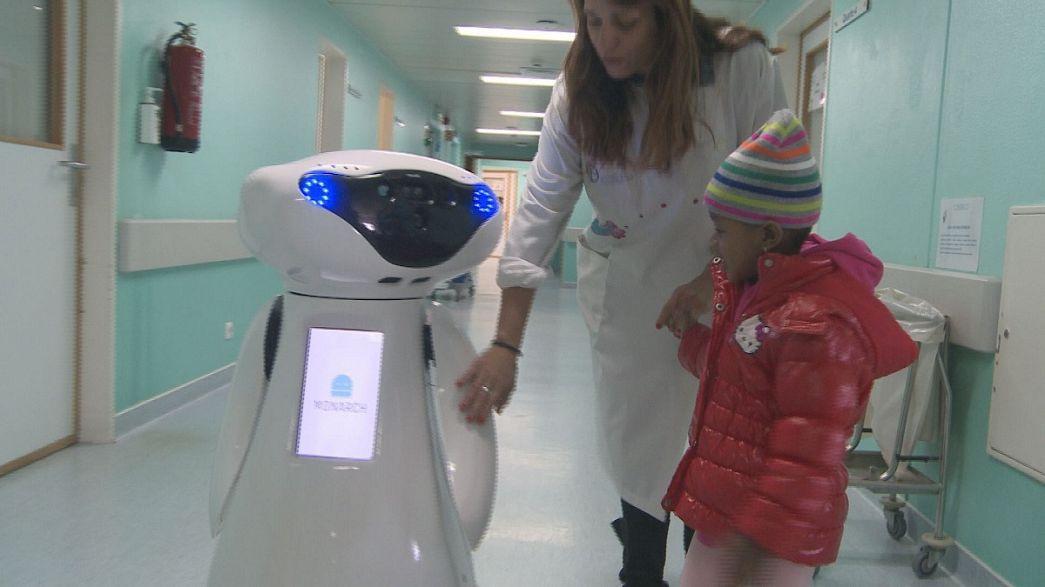 Robotok vidítják a rákbeteg gyerekeket