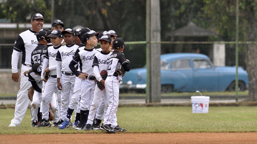 دیدار تاریخی یک تیم بیسبال آمریکایی با منتخب کوبا در هاوانا