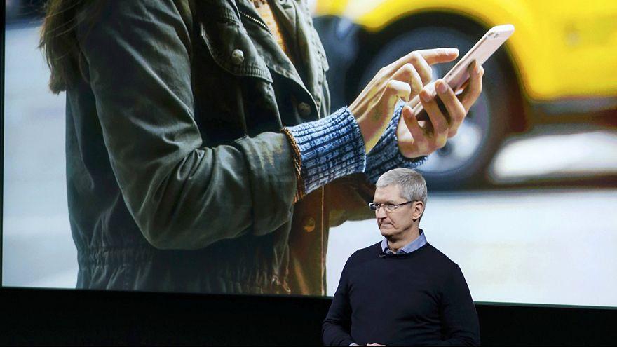 Apple: svelato l'iPhone SE, meno caro e con schermo più piccolo