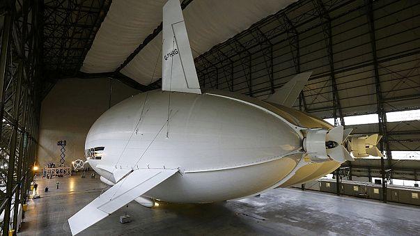 Presentan el globo dirigible Airlander 10, la mayor aeronave del mundo
