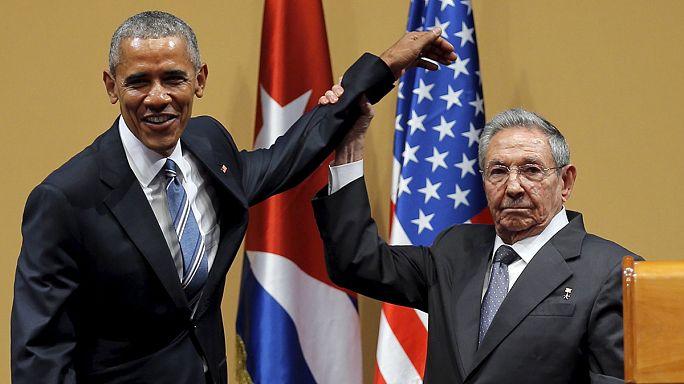 اوباما يعد بمحادثات صريحة مع كوبا حول حقوق الانسان وكاسترو ينفي وجود سجناء سياسيين