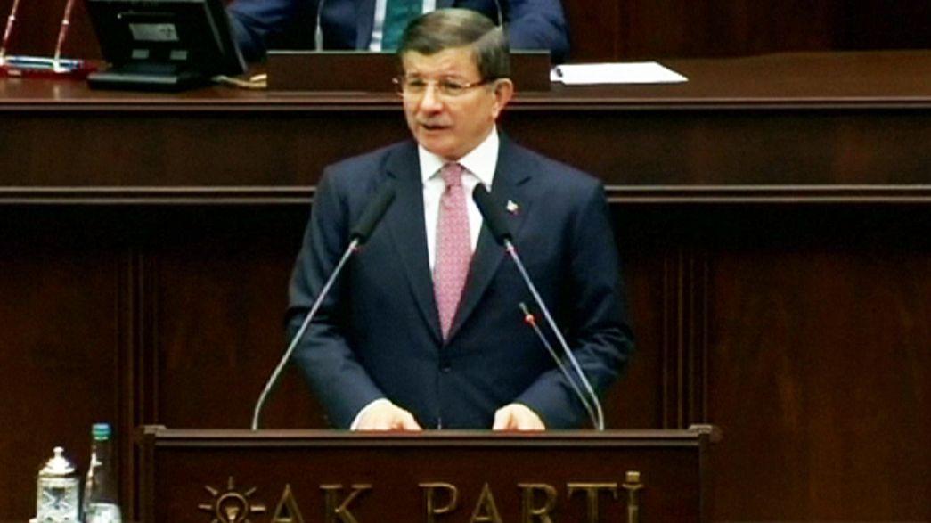 Ahmet Davutoglu: combattere il terrorismo che si chiami Daesh o PKK