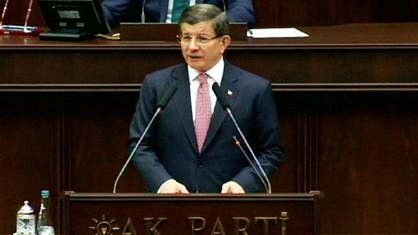 """Ahmet Davutoğlu: """"Ich möchte im Namen unserer Nation das Gefühl der Solidarität teilen."""""""