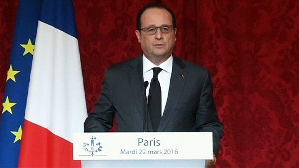 """Attentats de Bruxelles : """"Nous sommes devant une menace globale qui exige d'y répondre globalement"""" (Hollande)"""
