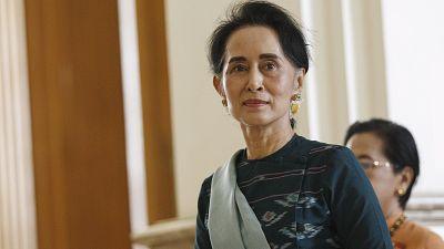 Birmanie : Aung San Suu Kyi fait son entrée au gouvernement