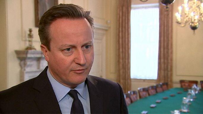 """David Cameron """"choqué et inquiet"""" propose son aide à la Belgique"""