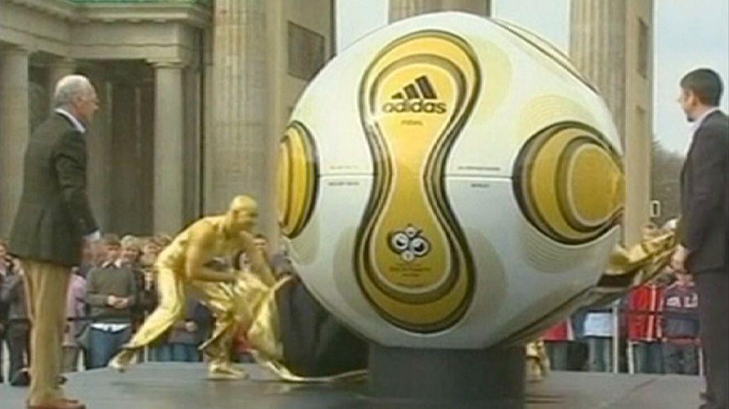 La Germania nel pallone. La FIFA indaga sull'assegnazione dei Mondiali 2006