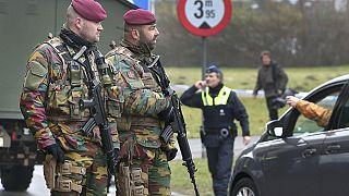 Terrorisme: un suspect activement recherché en Belgique