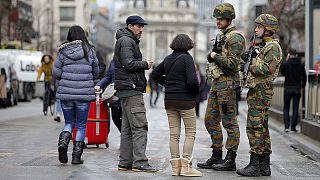 """Bruxelles il giorno dopo la tragedia, paura tra le strade: """"Non si può voltare pagina"""""""