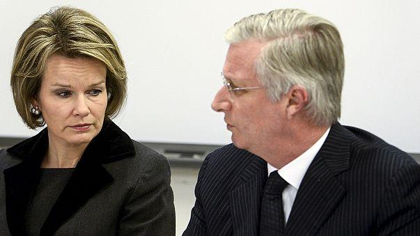 Los reyes de Bélgica y su primer ministro visitan a víctimas del doble atentado