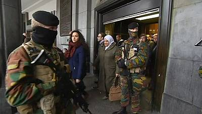 Reanudación parcial y con controles de los transportes públicos en Bruselas