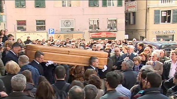 Trauerfeier für Opfer von Busunglück