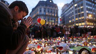 Belçika halkı terör kurbanlarının yasını tutuyor