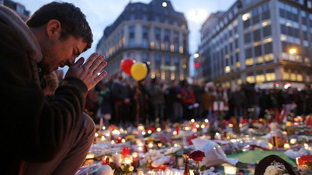 """وقفة تضامنية ليلية في بروكسيل..""""لا للكراهية""""..و""""لا للإرهاب"""""""