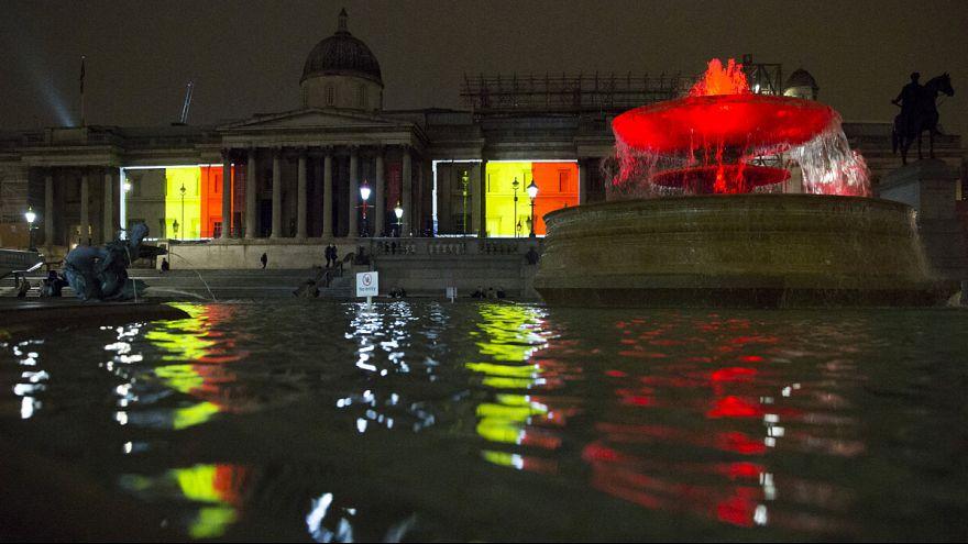 Londres se ilumina en homenaje a Bruselas