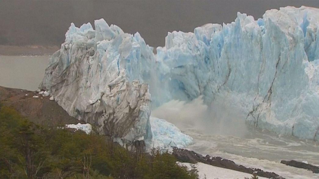 Eriyen buzullar yükselen deniz seviyesi insanı tehdit ediyor