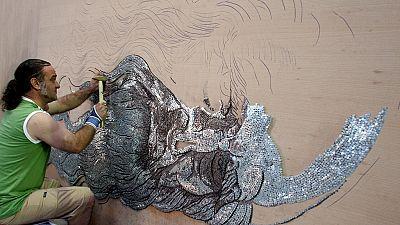 Égypte : marteau et clous pour des œuvres d'art