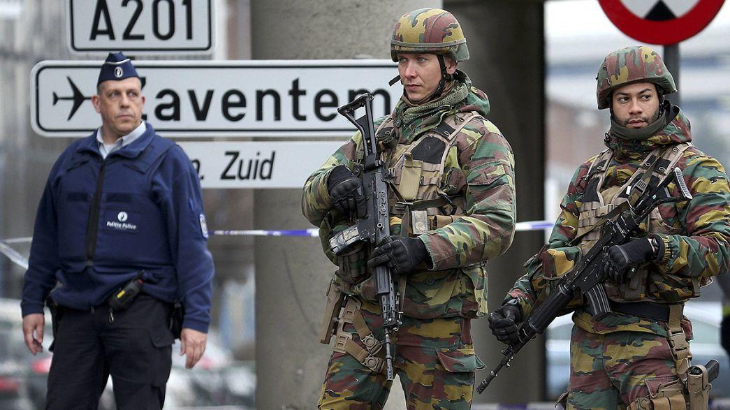 Bruxelles: la Grande Moschea issa la bandiera del Belgio in onore delle vittime. Venerdi' manifestazione di condanna