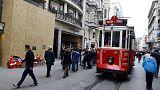 Attentats à Paris et Istanbul : le tourisme touché mais pas coulé