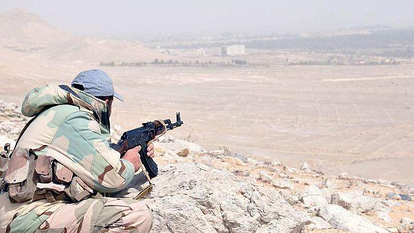 الجيش السوري يضيق الخناق على داعش في تدمر الأثرية بدعم روسي