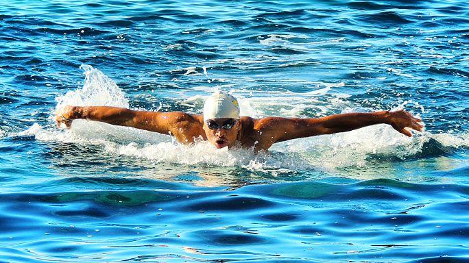 """رامي كنعان، يلجأ إلى السباحة لتنسيه """"الحنين للوطن"""" سوريا"""