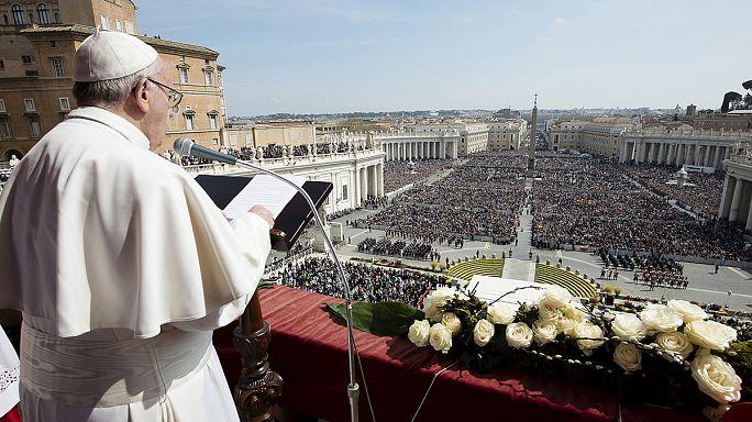 Папа римский обратился к католикам с пасхальным посланием