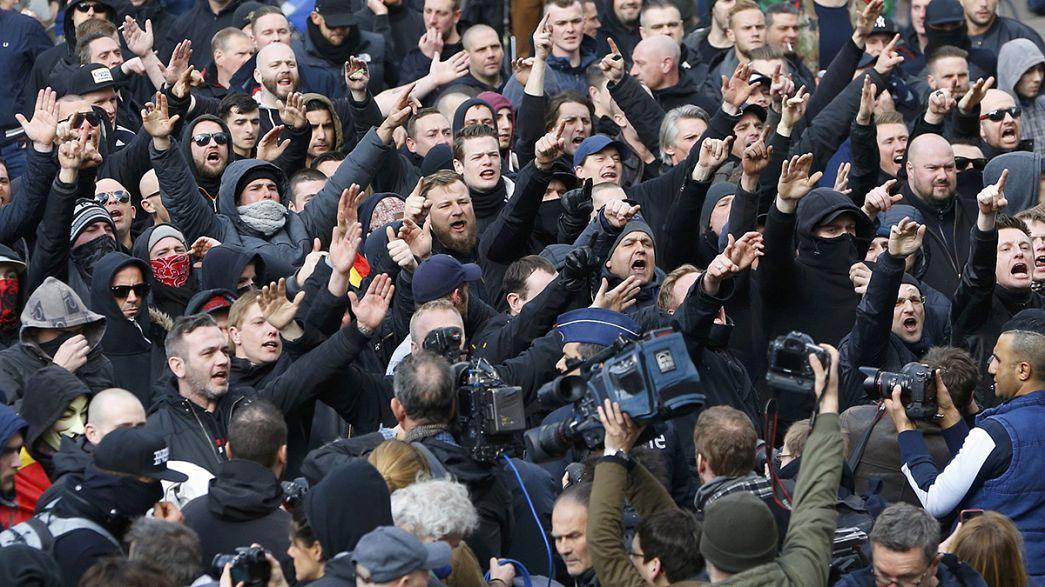 Tensione a Bruxelles: polizia disperde centinaia di ultrà di estrema destra