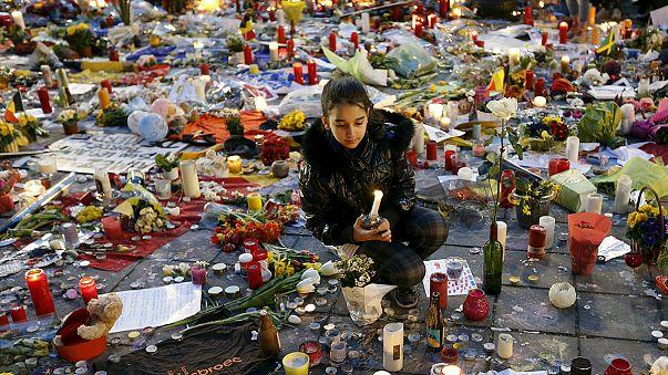 Brüksel: İptal edilen yürüyüşün yerine gösteri düzenlendi