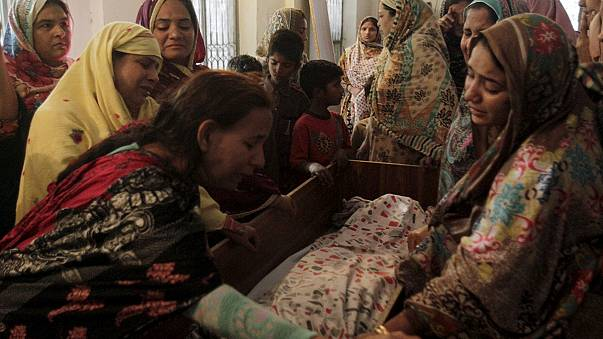 Christians targeted in deadly bomb attack in Lahore