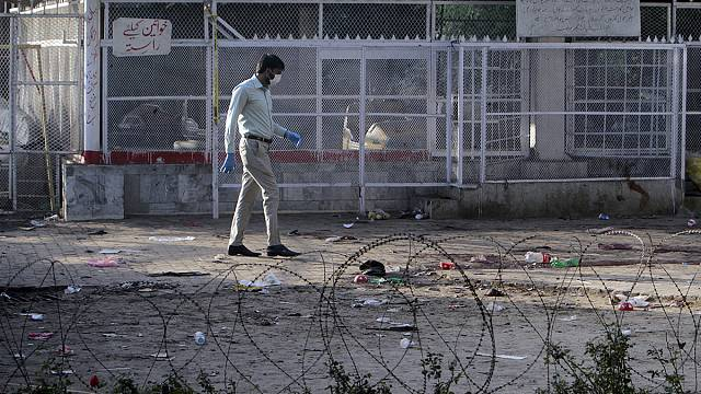 Lockdown in Lahore in aftermath of deadly bombing