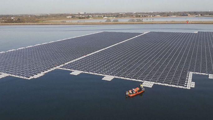 Suyun üzerine kurulu güneş enerjili elektrik santrali