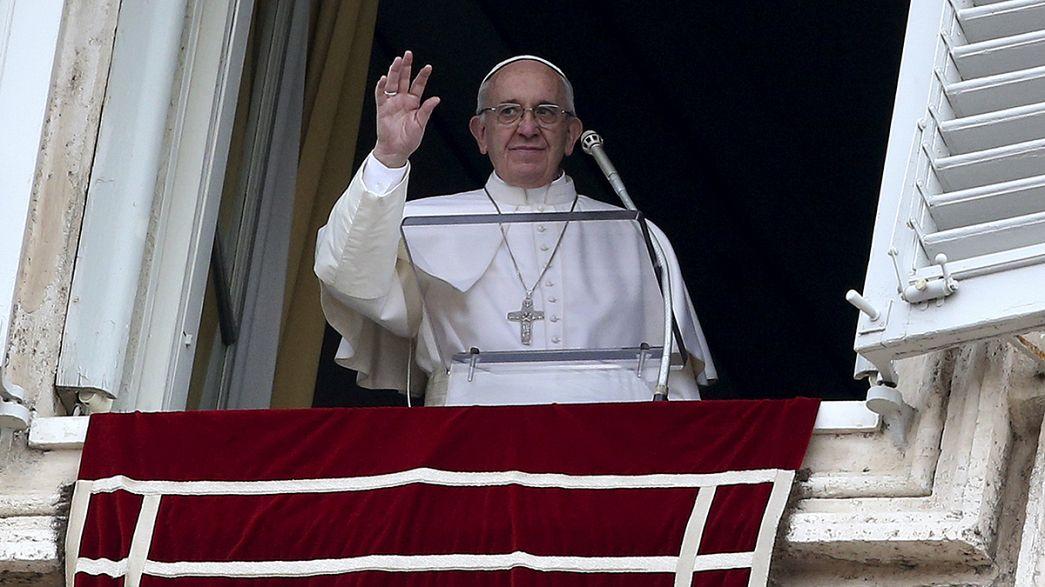 """Papa Francesco: """"In Pakistan attacco vile ai cristiani"""""""