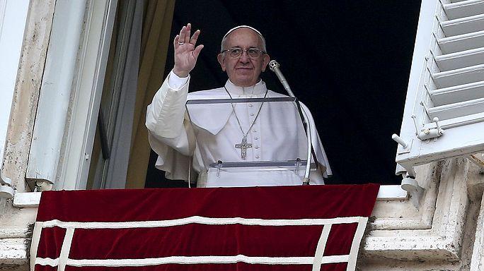 Papa'dan Pakistan'daki saldırıya tepki