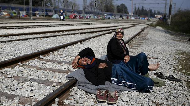 Desperation in Idomeni – false information spreads about new route to western Europe