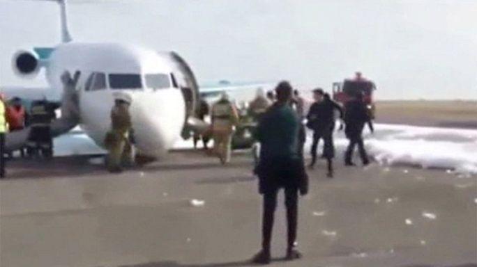 طائرة ركاب كازاخية تهبط في آستانا دون عجلات أمامية