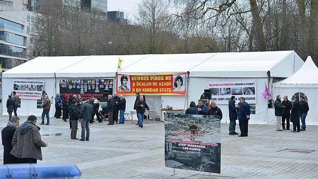 Brüksel'deki PKK çadırı yeniden kuruldu