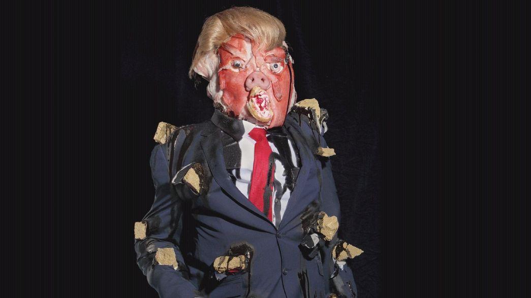 Um retrato de Donald Trump composto por partes de animais, restos e objetos usados