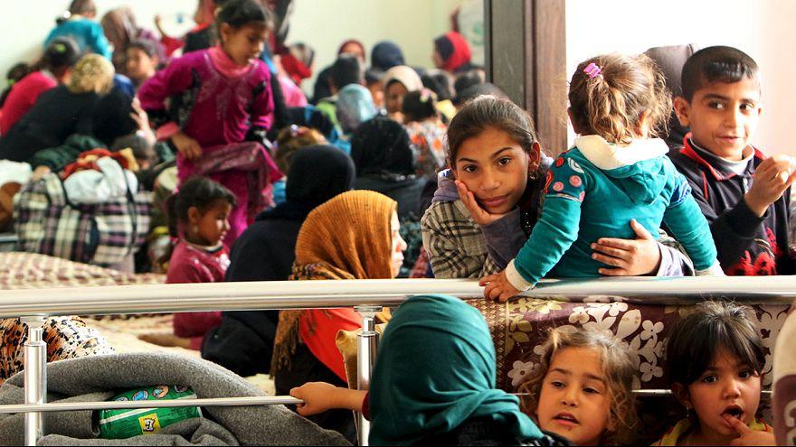 Civis fogem dos combates em Mossul