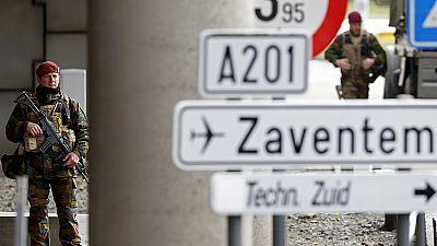 O terroristas que atacaram em Bruxelas e as ligações com os atentados de Paris