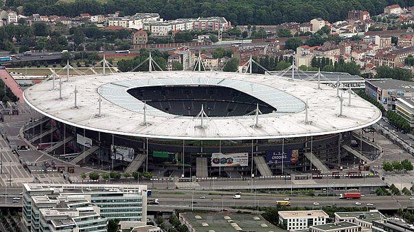 Terrorismo, 400 agenti pattugliano lo Stade de France per Francia-Russia