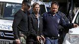 محكمة في لارنكا توقف خاطف الطائرة المصرية ثمانية أيام
