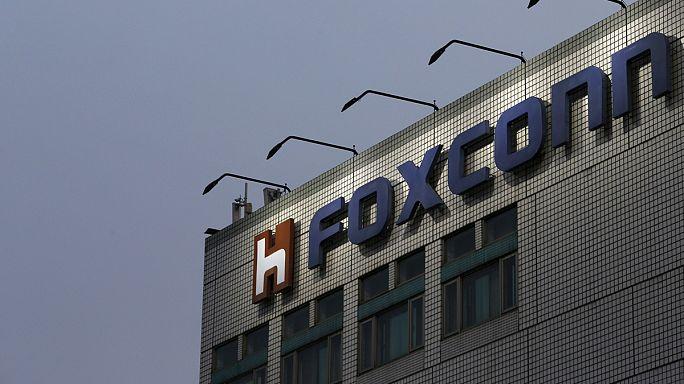 Japon teknoloji şirketi Sharp'ın üçte ikisi Foxconn'un oldu